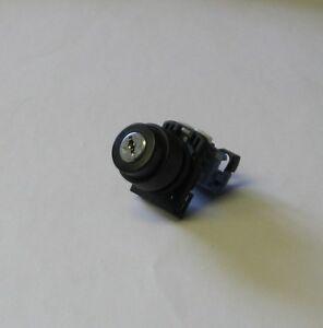 Fuji Electric Key Selector Switch, AR22F0R, AR22FOR, Used, Warranty