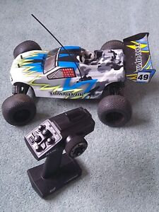 """RC Remote Control Truggy Buggy Thunder Tiger """"Tomahawk""""Nitro-powered 1:10 scale"""