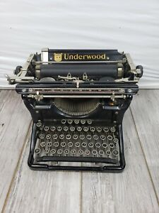 Underwood  Vintage 1930's Manual Typewriter Glossy Black Gold Lettering 6 11