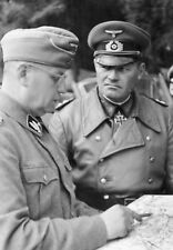 WW2 Photo WWII  German Wehrmacht Officers with Map  World War Two/ 2543