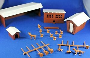 O/S - Plasticville - #45604 Farm Buildings - Never Used - COMPLETE w/Animals
