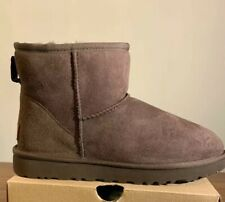 UGG CLASSIC MINI II 1016222 CHOCOLATE SIZE 6, WOMAN'S BOOTS BRAND NEW AUTHENTIC