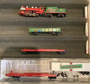 N Scale White Christmas Express Steam Engine 060 Gondola Holiday Transportation