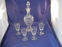 SMALL ANTIQUE DECORATED GLASS DECANTER W STOPPER AND 4 MATCHING CORDIAL GLASSES