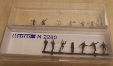 2 x MERTEN N:2521 Pedestrians for Throw from recycled glass 2280 Shunter Greaser