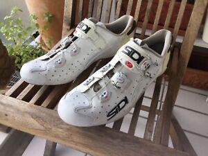 SIDI Rennradschuhe Wire Carbon Herren Gr.46 Weiß +Sigma Hiro Led Rücklicht