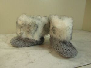 Stepping Stones Gray Furry Knit Stitched Booties Shoes Infant's Size 6-9 Mo