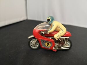 P701-BRITAINS MOTORCYCLE AND RIDER