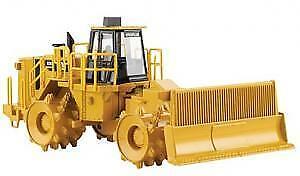 NOR55205 - Rouleau Compacteur de Décharge CATERPILLAR 836H -  -