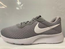 Nike Tanjun 844887 010 Herrenschuhe, Grau, Größe: 42,5 EU