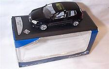 VW Golf V 2003 en Negro 1-43 Escala Modelo Solido
