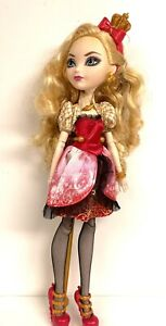 Ever After Mons High FIRST CHAPTER 2012 Signature APPLE WHITE DOLL in Outfit