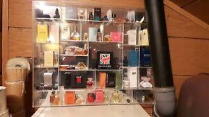 Parfum Miniaturen incl. verspiegelten Setzkasten ansehen + lesen
