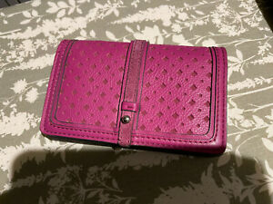 Lovely Clarks Pink Leather Purse/Wallet