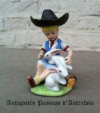 B20140673 - Petite figurine en biscuit de porcelaine 1950-70