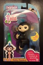 AUTHENTIC WowWee Fingerlings Interactive Baby Monkey Black Finn w/ Stand! NEW