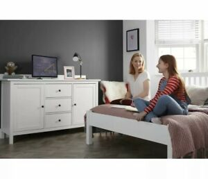 24 Inch HD Ready Freeview Play Smart LED TV *Excellent Bedroom Television*