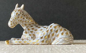 Herend Porcelain Day 1 Charter Member Horse Figurine 24K Gold Fishnet 4/25/1998