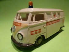 PEPE VW VOLKSWAGEN T1 TRANSPORTER AMBULANCE PLASTIC - RARE - GOOD CONDITION