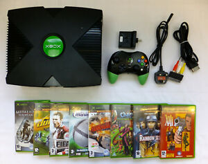 ORIGINAL XBOX CONSOLE PACKAGE + LEADS 1 WIRELESS CONTROLLE & 8 VARIOUS GAMES