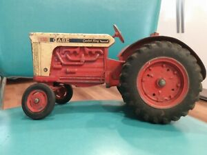 Case 930 Comfort King Tractor Vintage  w Metal Rims 1/16 Scale by Ertl