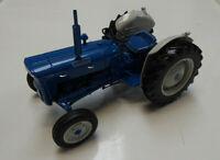 Model Tractor FORDSON SUPER DEXTA Diesel 2000 1/16 (USA Version) by UH