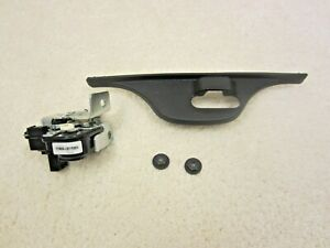 2012 - 2018 JEEP GRAND CHEROKEE / SRT8 REAR HATCH / LIFTGATE POWER LATCH #55-4N