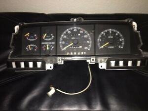 1987-1991 FORD F150, BRONCO OEM INSTRUMENT CLUSTER w/Tach