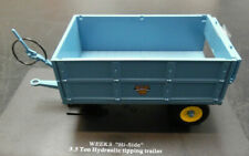 Model Trailer WEEKS 3.5 Ton Hydraulic TIPPING GRAIN TRAILER  1/32nd By UH