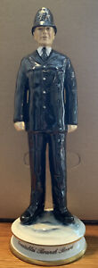 michael sutty Model Of A Policeman In Excellent Condition