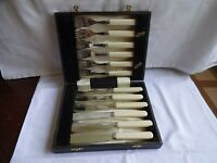 Vintage Silver Plated EPNS Fish Knives and Forks Cased