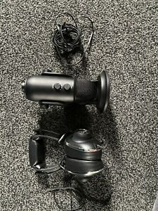Blue Blackout Yeti Microphone And Mo-Fi Headphones Ultimate Streamers Bundle NEW