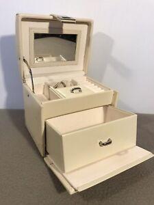 Dulwich Designs Genuine Leather Small Jewellery Storage Box Travel Vanity Case