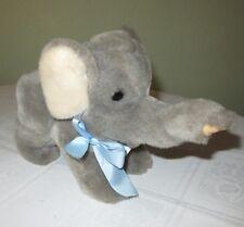 Elefanten STEIFF Elefant PUMMY mit Schild und Fahne NEU Symbol Weisheit Kraft