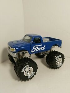 BLUE 1/32 scale diecast 1996 Ford F-150 Modified 4x4. Newray brand Monster Truck