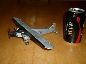 FORD TRI-MOTOR AIRLINER PLANE, DIE CAST METAL, [ERTL COLLECTIBLES] TOY, 1:72