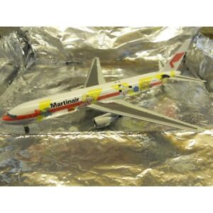 ** Herpa Wings 550864 Martinair Boeing 767-300 Fox Kids 1:200 Scale