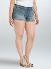 TORRID Light Wash Fray Rolled Hem Skinny Short SHORTS Plus Size 24 NWT $39 LG05