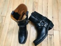 FRYE HARNESS MID CALF CHAIN ACCENT BLACK LEATHER WOMENS BOOTS NWOB SIZE 6.5