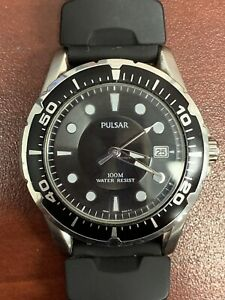 Men's Pulsar Black Face Chronograph With Rubber Sports Strap WR100M New Battery