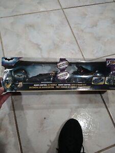 Tyco R/C Radio Control Batmobil & Quad Striker ATV Batman 301619 2008 Mattel