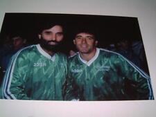 George Best & Kevin Keegan en Pat Jennings testimonio en 1986 Belfast Foto