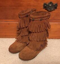 EUC! Girls Minnetonka Layered Fringe Boots Sz 3