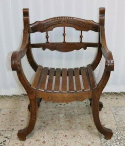 Antiker Stuhl Armlehnstuhl Captain Chair Nussbaum beschnitzt  /*598