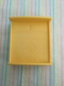 """Dollhouse Doll Bed Solid Bright Yellow Plastic Faux Pillow Bedspread for 2""""Doll"""