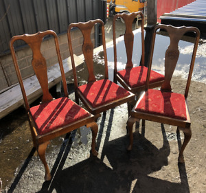 Antique Set Of 4 Solid Walnut Queen Anne Style Chairs