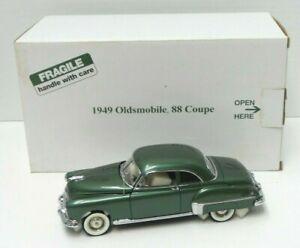 The Danbury Mint 1949 Oldsmobile 88 Coupe 1:24 Die Cast w Title Cert - A687