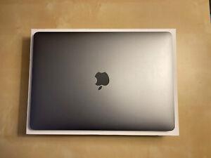 "Apple MacBook Pro 13.3"" (256GB SSD, Intel Core i5 8th Gen., 2.40 GHz, 8GB)..."