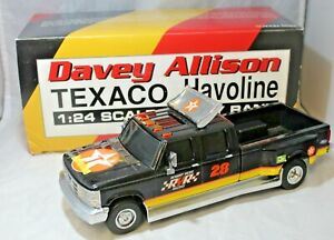 #28 Davey Allison Texaco Halvoline Ford Dually Truck Bank 1:24 Scale