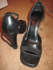 2 pairs of NINE WEST ANKLE STRAP SHOES BROWN AND BLACK PAIRS LEATHER AND SUEDE